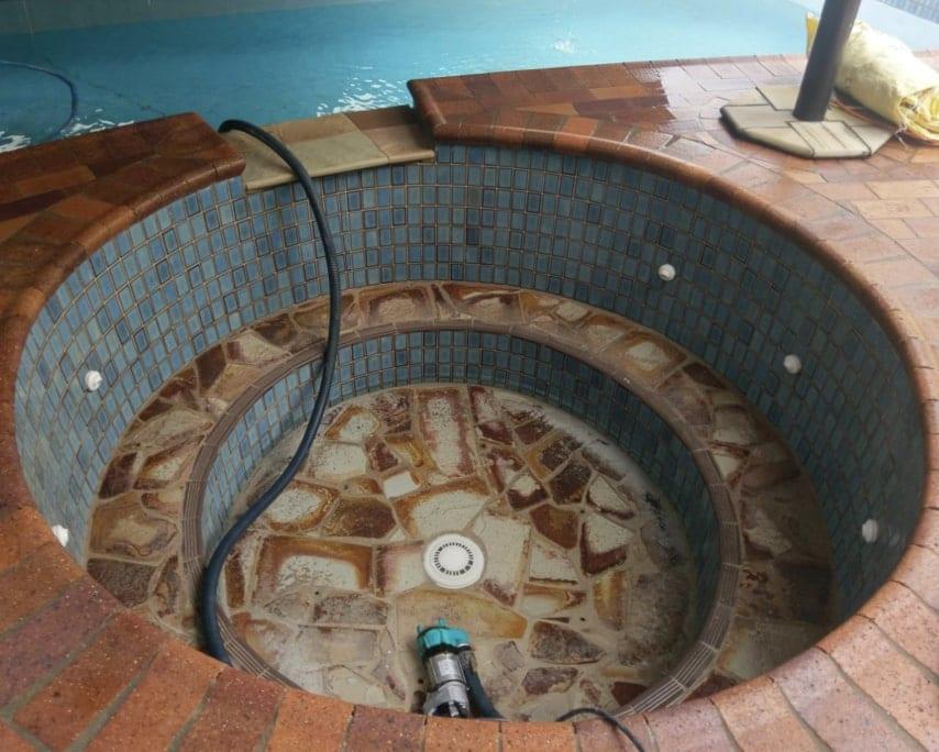 Spa Before Concrete Pool Renovations - Spa Repair Company Brisbane